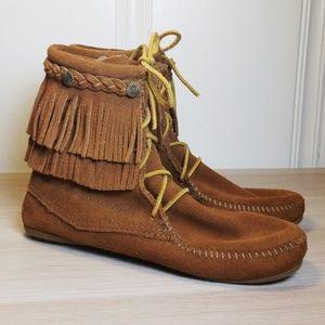 Minnetonka High Top Fringe Lace Up Boot